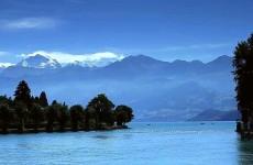 بحيرة ثون ، سويسرا (في الصباح والمساء)